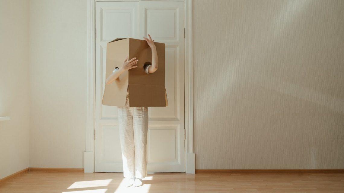 Louer un monte-meuble pour votre déménagement : les précautions